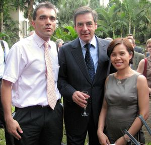 Mr François Fillon with the managment team of trivin Sa
